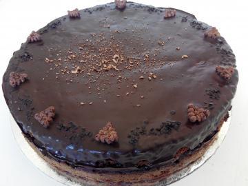 Pastís de xocolata negra cruixent